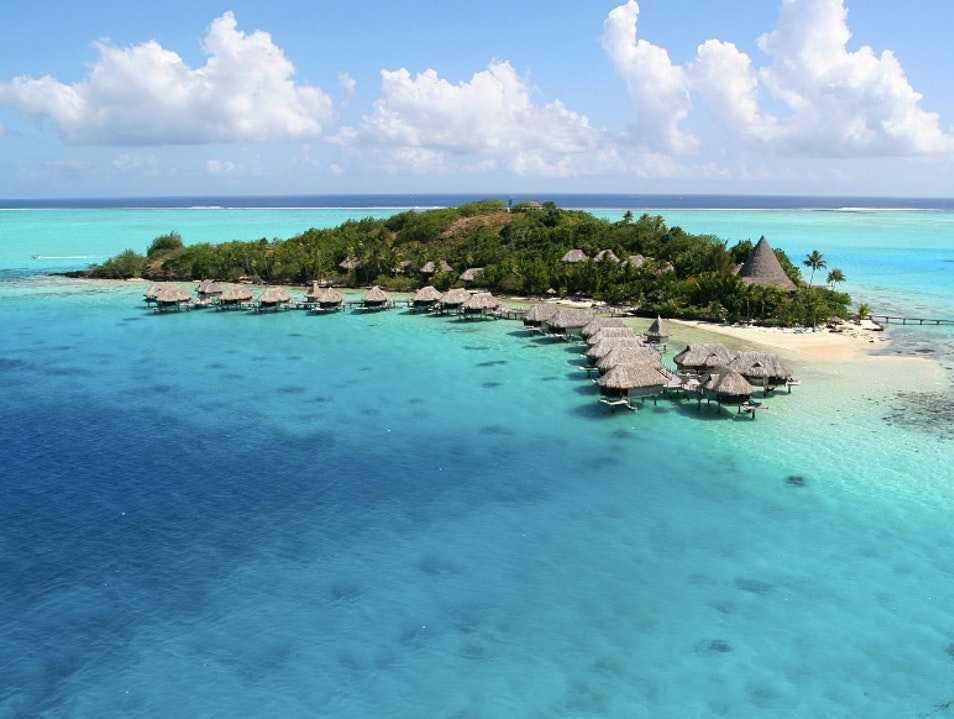 Beyond Chic: Private Island Romantic Bliss