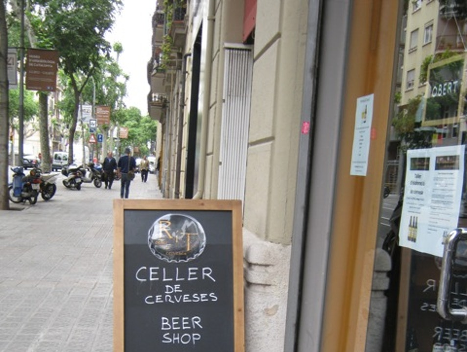 Sample local and international microbrew beers Barcelona  Spain