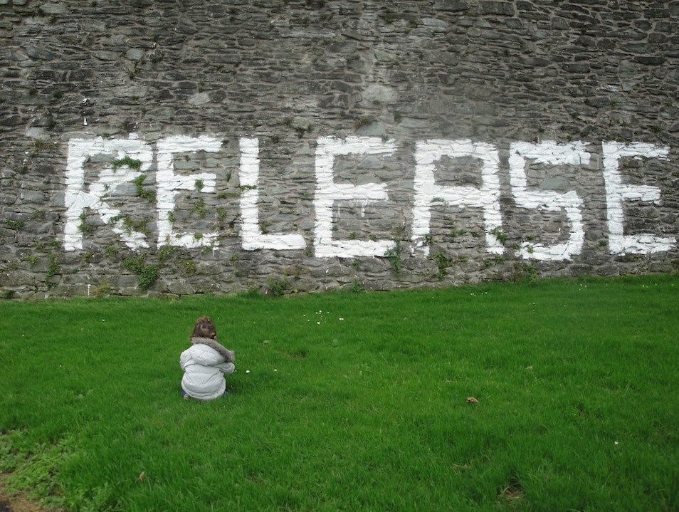 Pondering the Walls of Derry