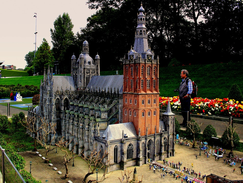 Madurodam: The Story of Holland in Miniature Den Haag  The Netherlands