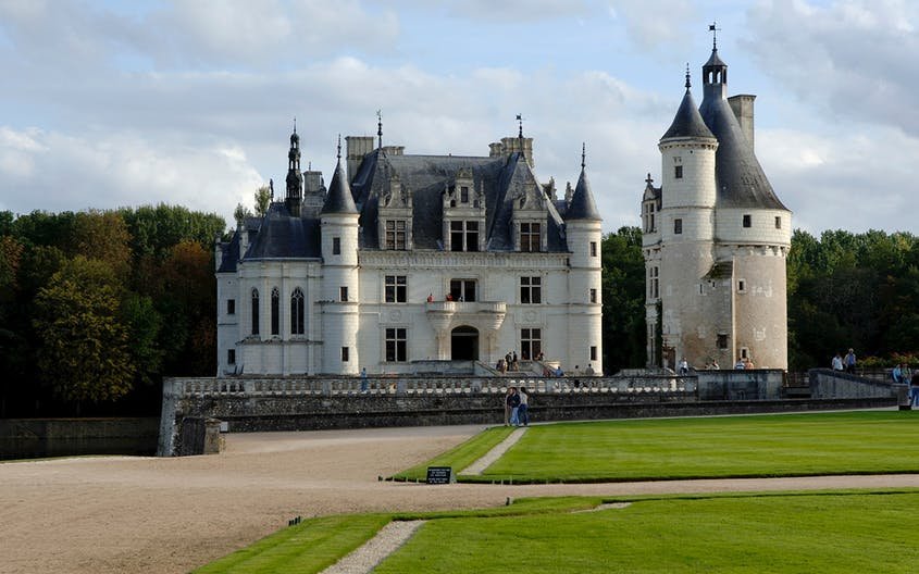 One of the most beautiful castles in the Loire Valley, Château de Chenonceau was a favorite of Catherine de Medici.