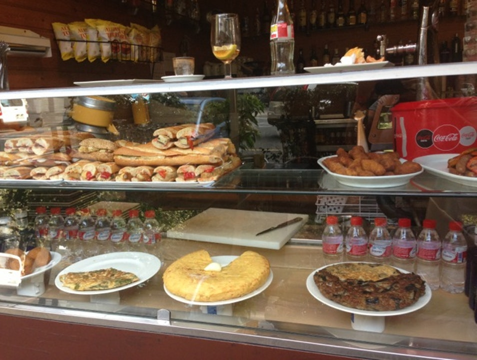 Inexpensive local food at O'Vall d'Ouro Barcelona  Spain