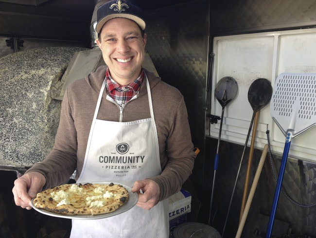 Authentic Neapolitan-Style Pizzas From a Truck
