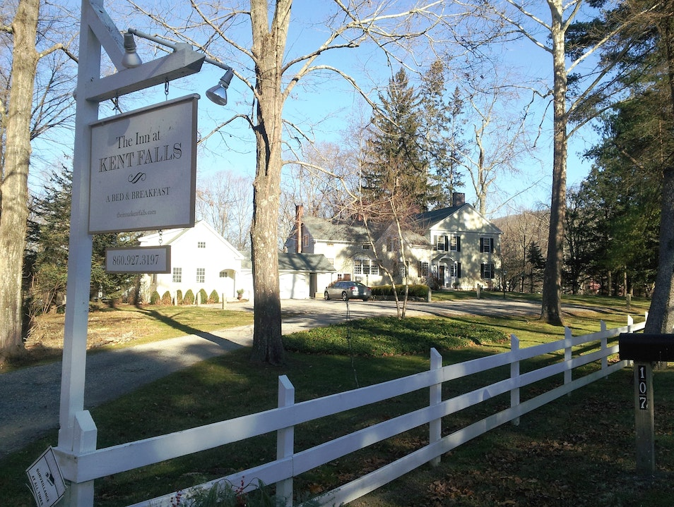 Relax In Style at the Historic Inn at Kent Falls