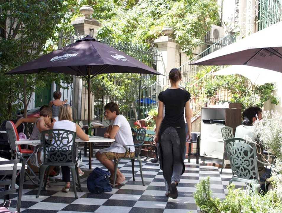 In the spirit of Evita, an elegant lunch in the courtyard