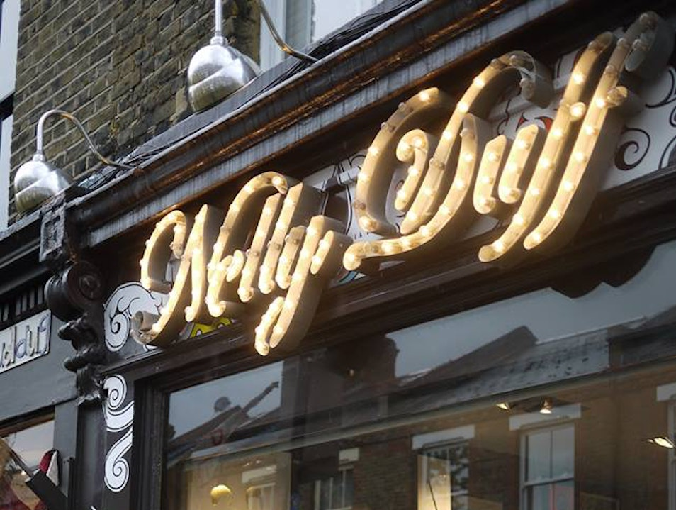 Nelly Duff, London