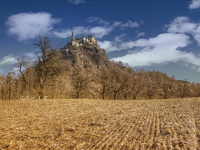 Explore the medieval Hochosterwitz castle