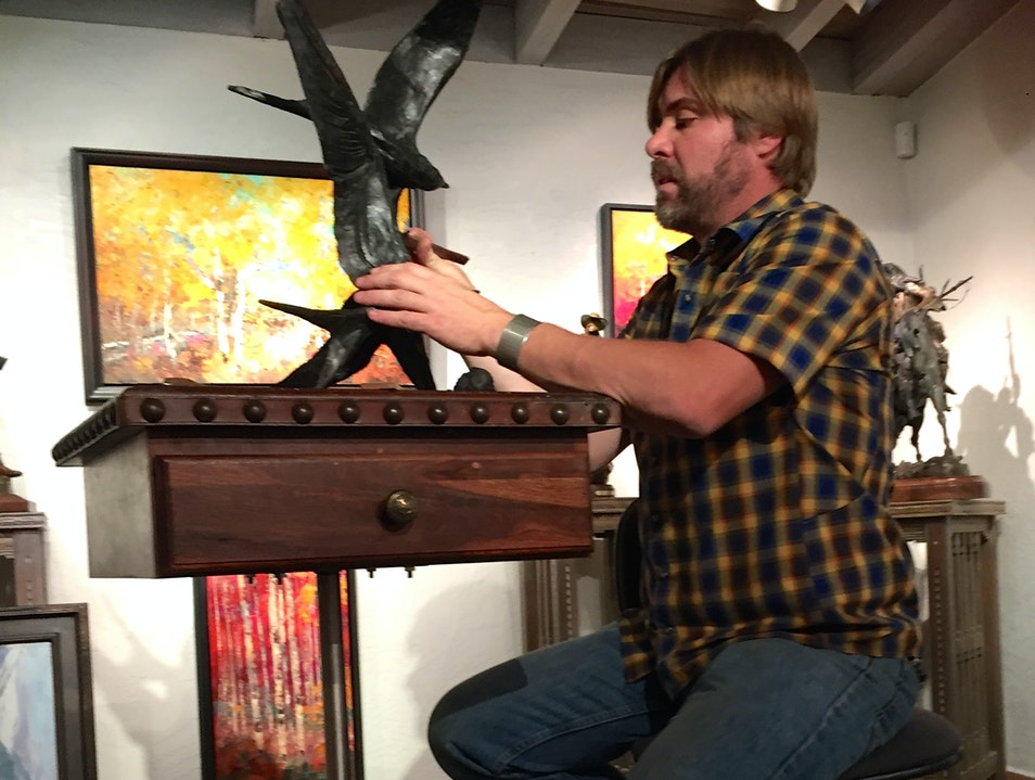 Bryce Petit sculpting at Mountain Trails Gallery in Sedona
