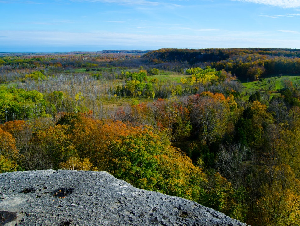 Spectacular 360 degree views along Skinners Bluff hiking trail Wiarton  Canada