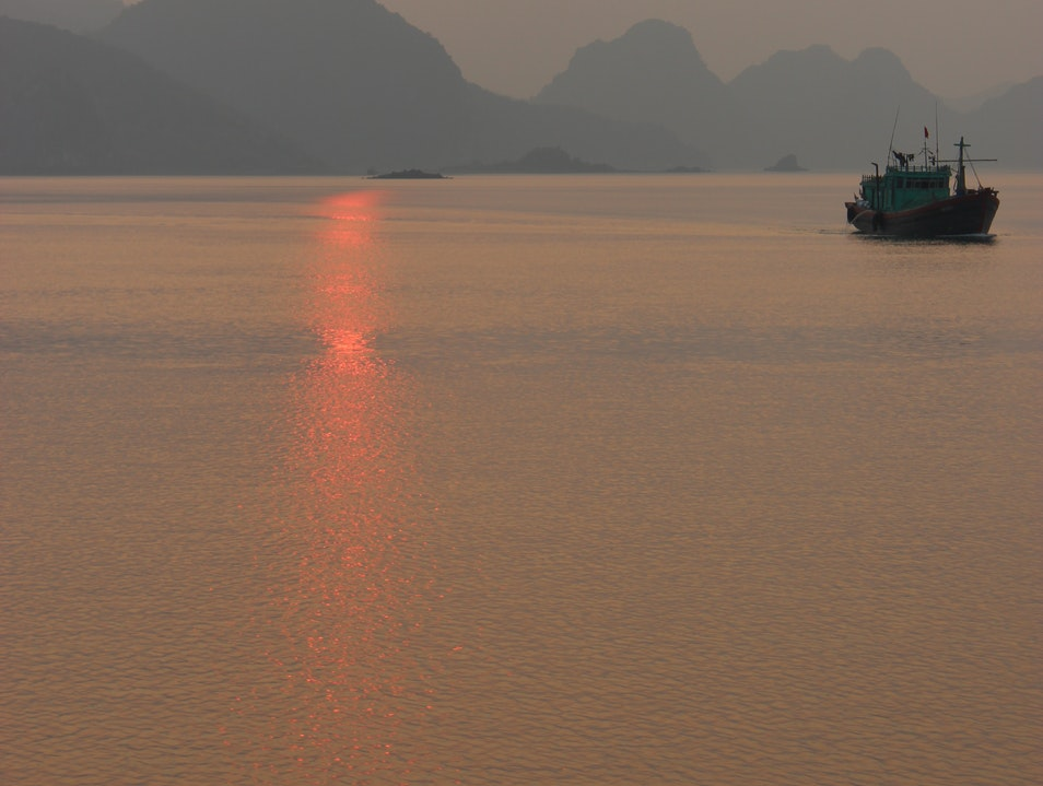 Ha Long's Quieter but Just as Scenic Neighbor tp. Cẩm Phả  Vietnam