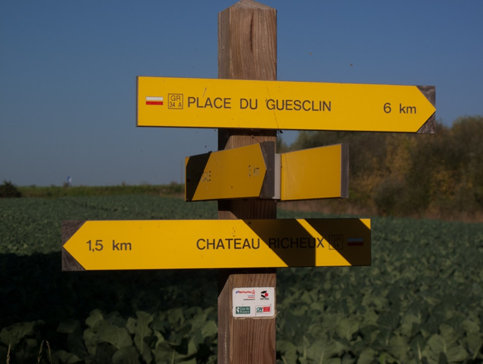 Hiking on the smuggler's trails in Brittany