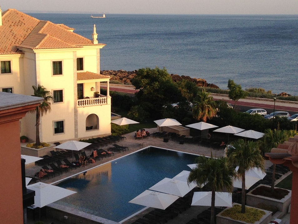 A CLASSIC HOTEL IN A QUIET SEASIDE PORTUGAL TOWN