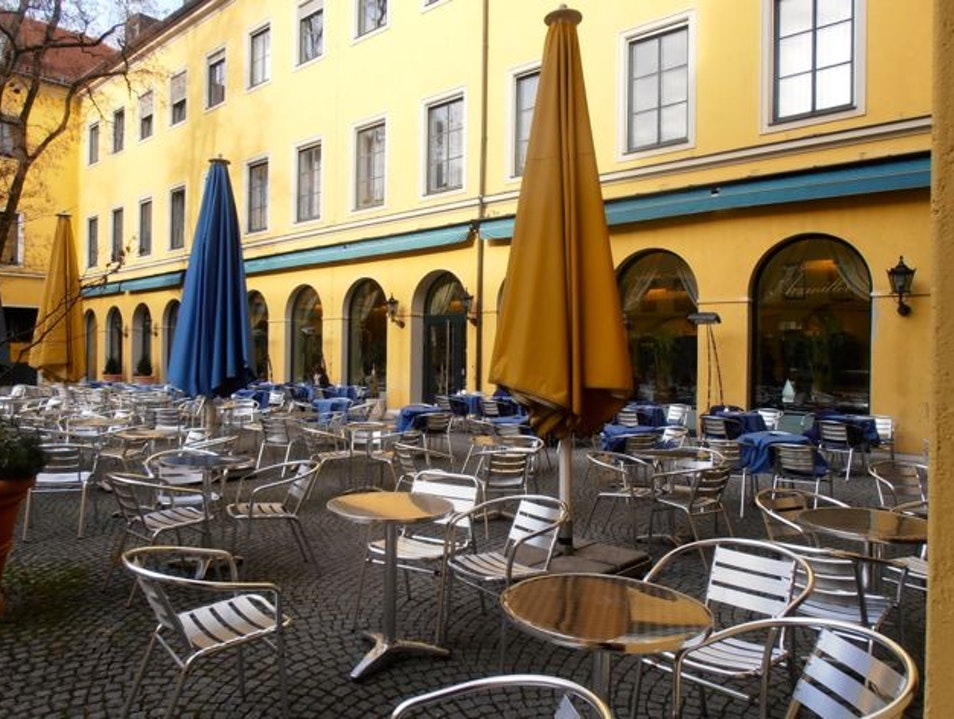 A Classic Coffeehouse in the Heart of Munich