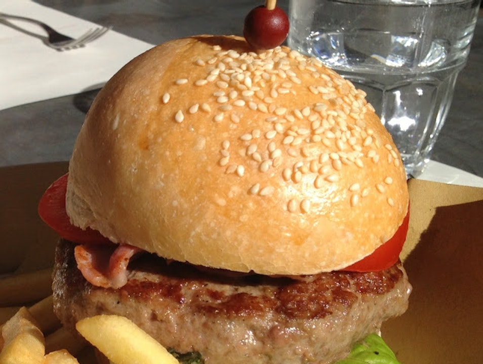 Great Burgers on A Sunny Day {Rome}  Rome  Italy