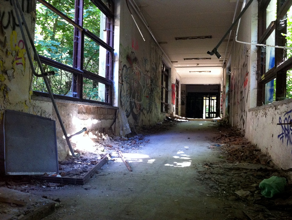 Exploring an Abandoned Hospital Berlin  Germany