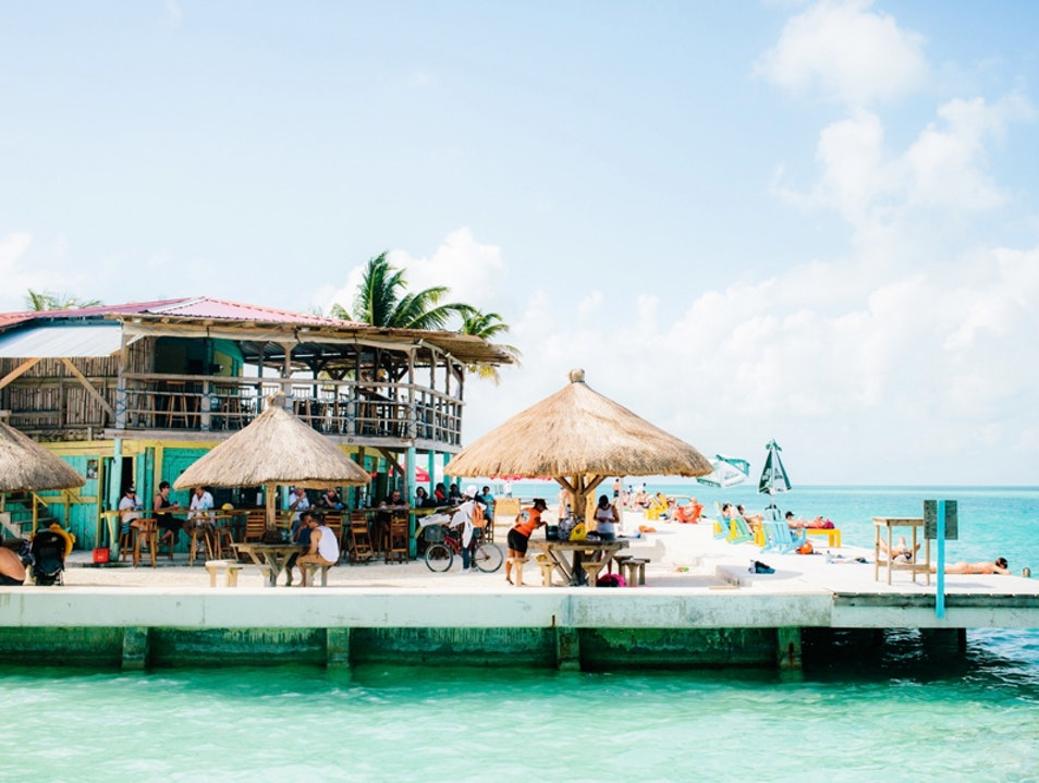 Splash Around at Lazy Lizard in Caye Caulker   Belize