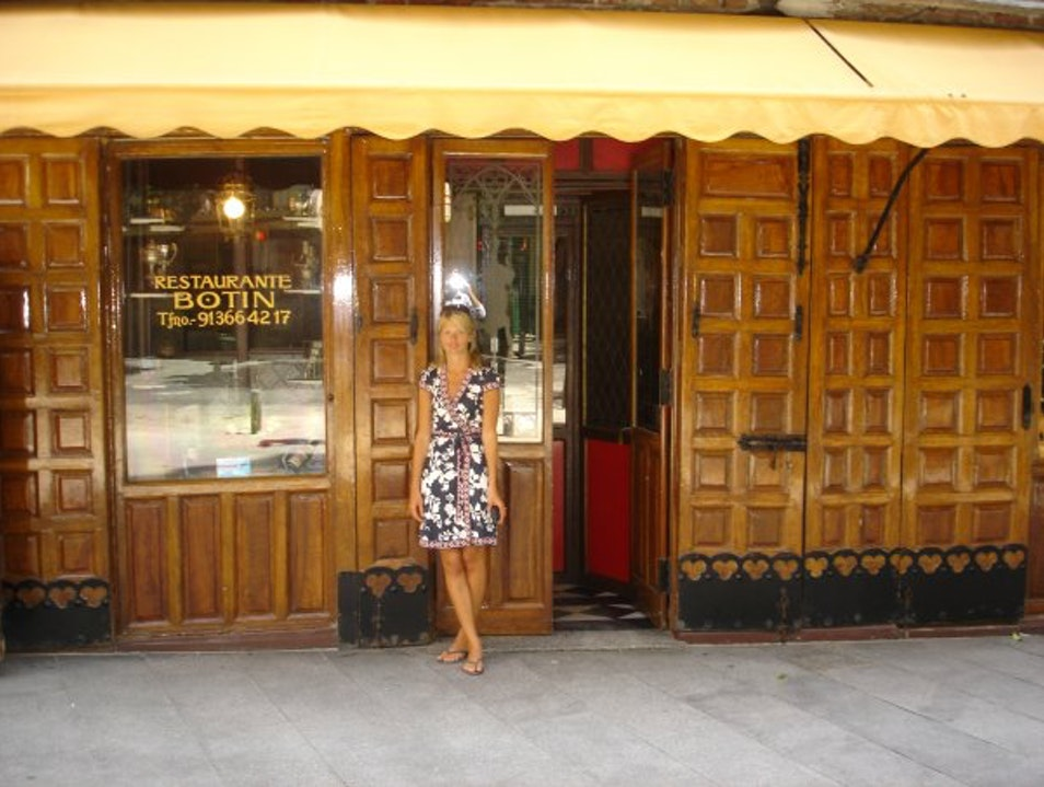 Dining at the oldest restaurant in Madrid and world, Restaurant Botin Madrid  Spain