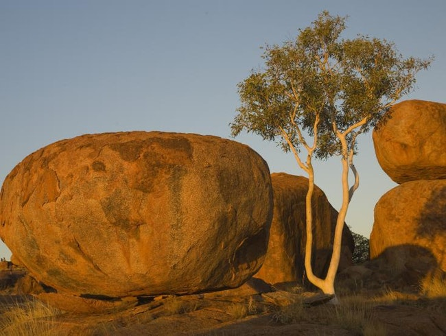Discover Devils Marbles
