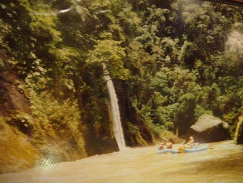 Whitewater Rafting the Pacuare River...of Death!