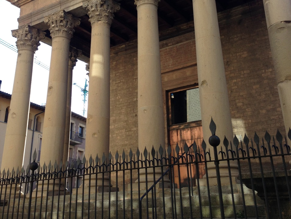Tour a Roman Temple in Vic Vic  Spain