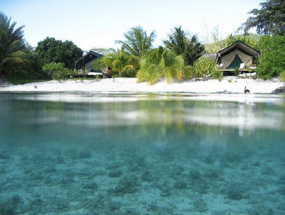 Fare Ie: A Taste of African Safari Style in French Polynesia
