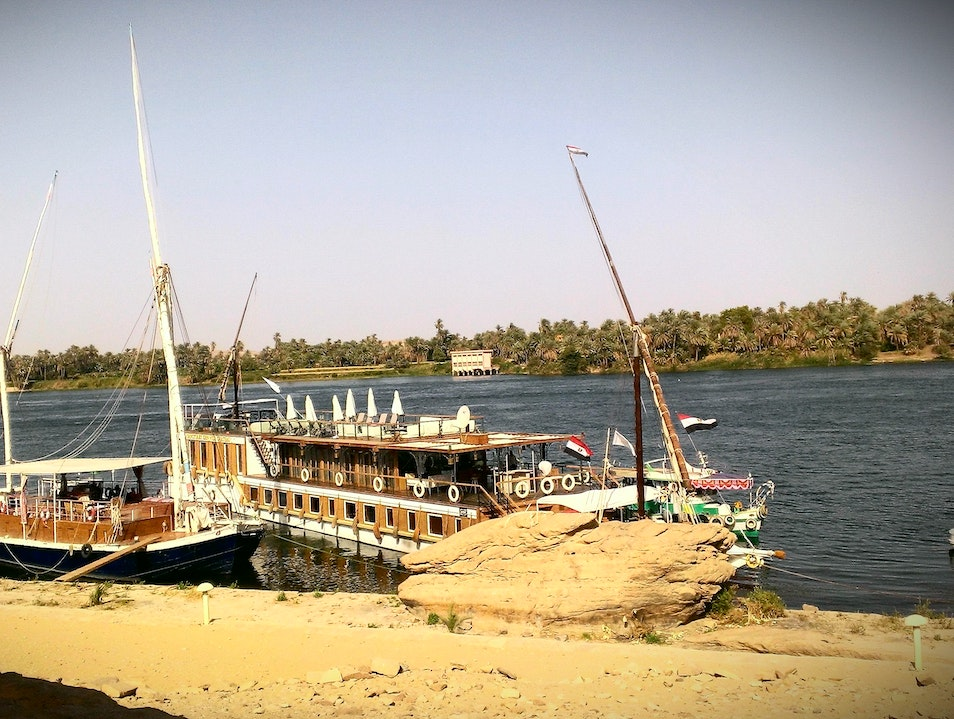 Private Dahabiya Nile River Cruise Luxor  Egypt