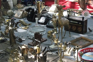 Sunday Antique Market