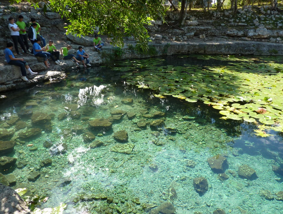 Xlacah: Cenote within a Mayan site