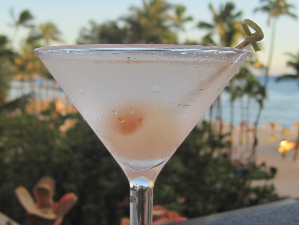 Best Sunset Drink and Dinner: SWIM and SHOR at Hyatt Regency Waikiki