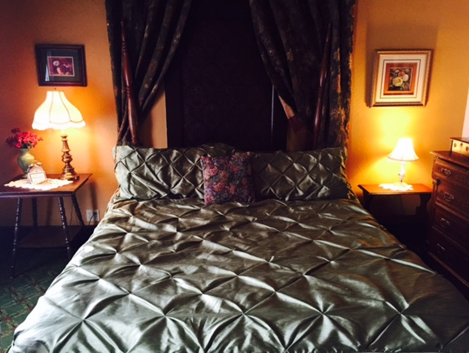 Occidental Hotel: 21st century comfort amidst 19th century antiques