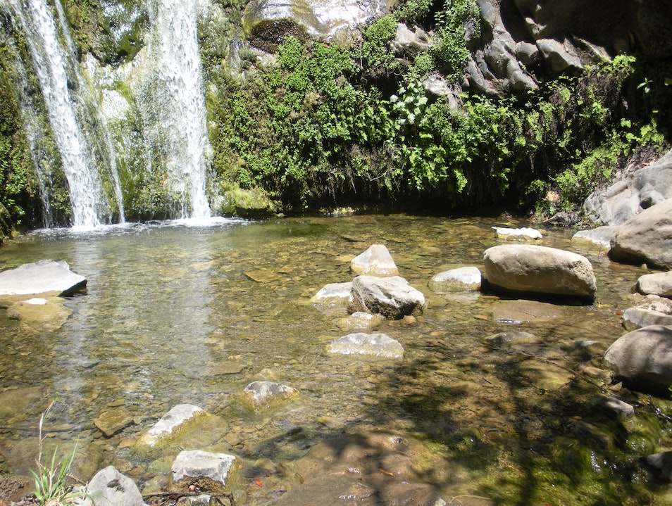 Strolling hike, picnic and waterfall