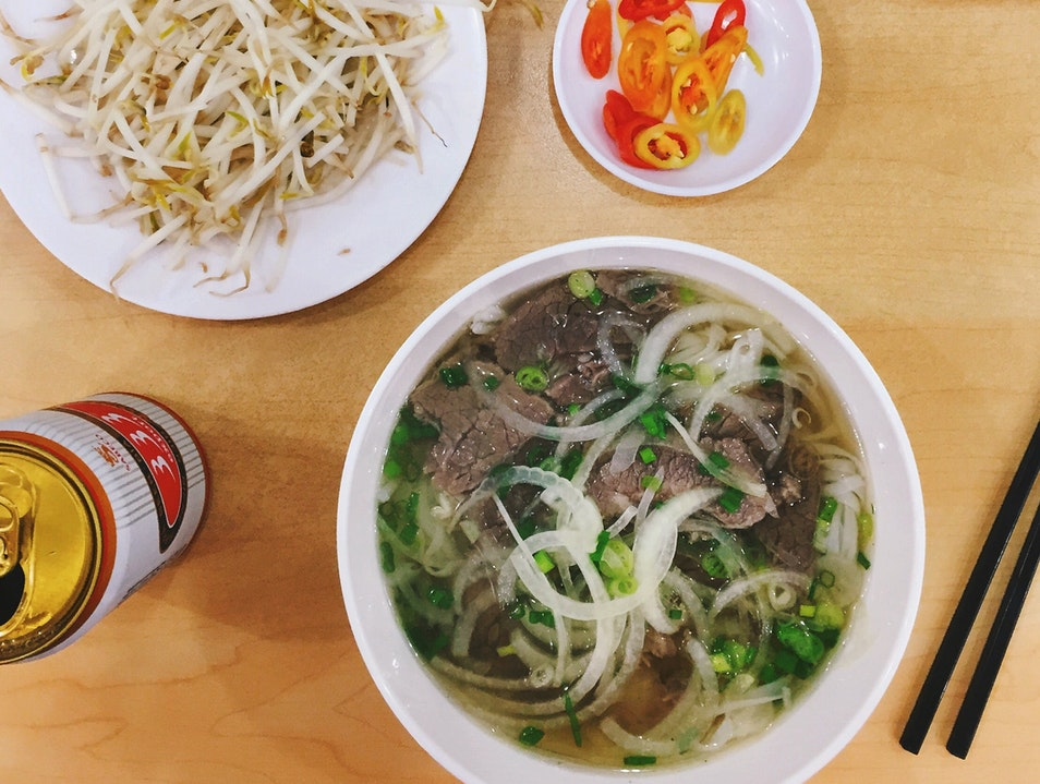 Bill Clinton Ate Phở Here and You Should Too