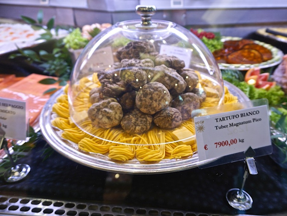 Milan for foodies - the food emporium Peck and Eataly