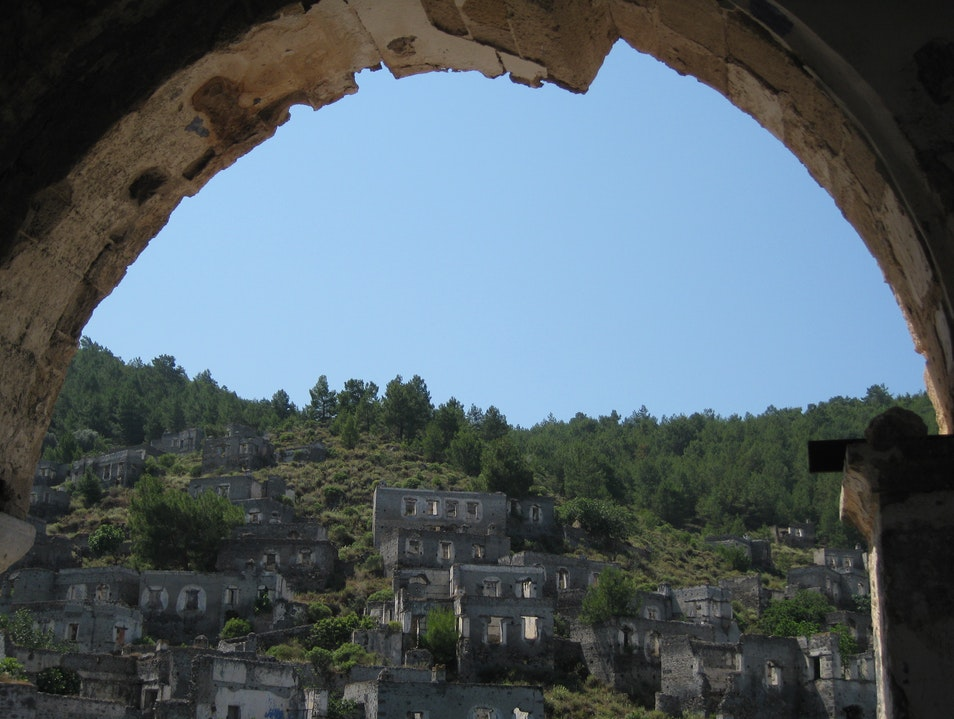 A walk in the ghost city of Kayakoy