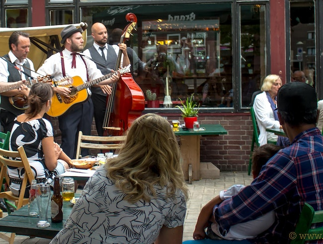 Come for the BBQ, Stay for the Bluegrass