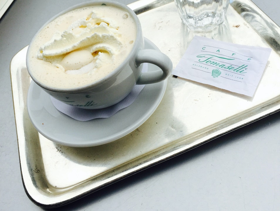 Coffee and Cake at Café Tomaselli