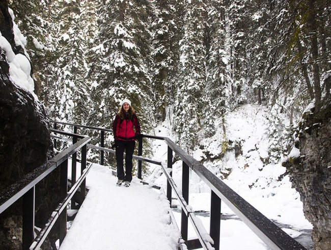 A wintery hike in Johnston Canyon
