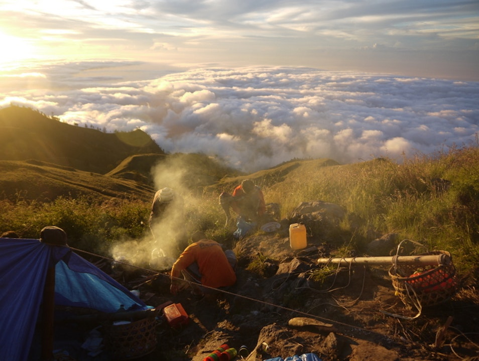 Dinner on the Rim Taman Nasional Gunung Rinjani  Indonesia
