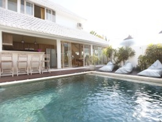 Villa Oberoi, Seminyak 3 bedrooms for rent
