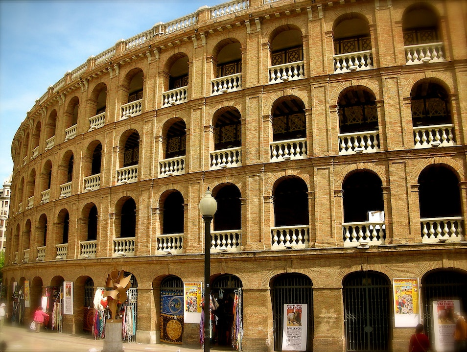 Tour Valencia's Bull-fighting Ring and Taurine Museum