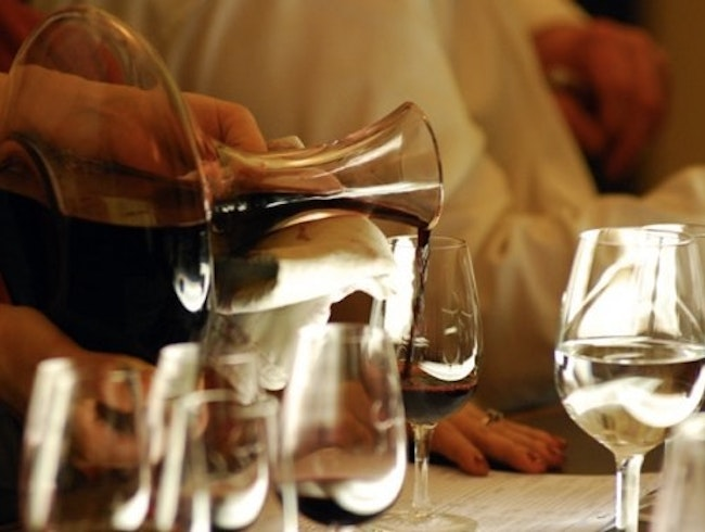 Service by sommeliers