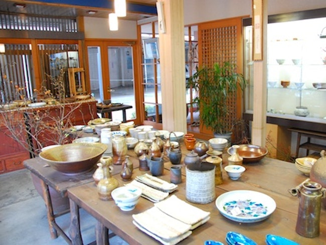 Learn to Throw Pottery in Japan