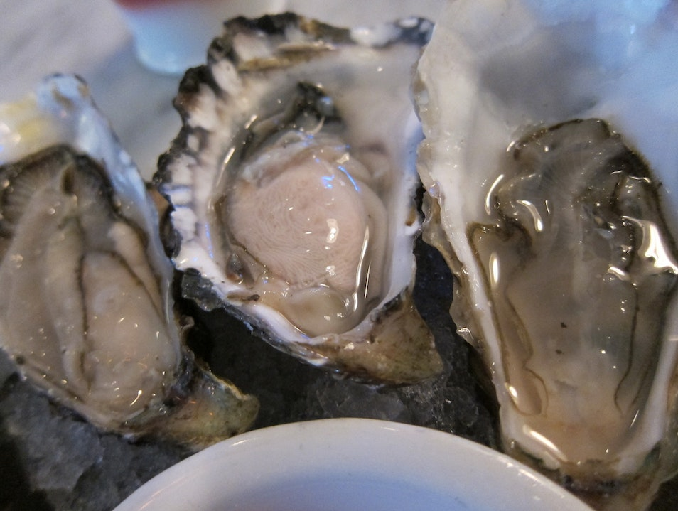 Shucking Up a Storm at Don's