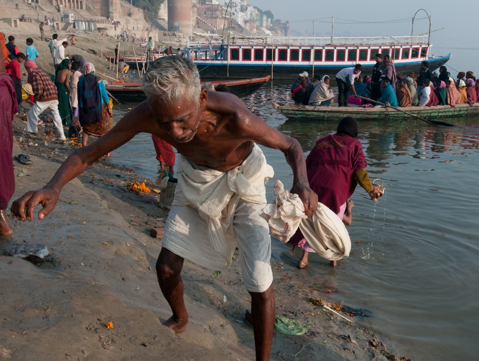 Rituals: Bathing in Ganges Varanasi  India
