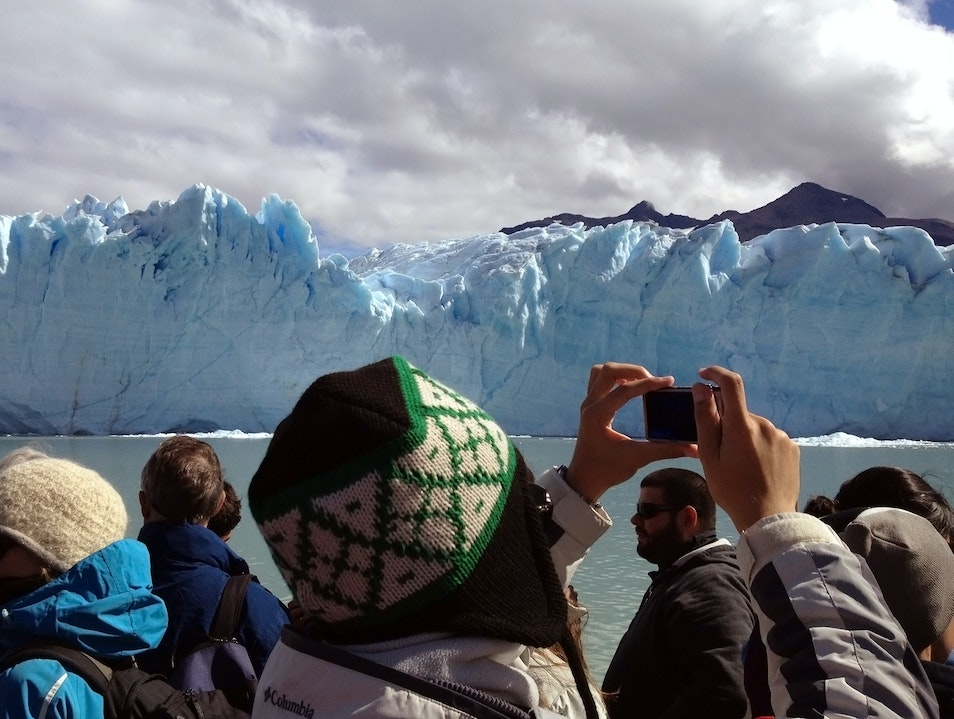 People Watching on the Rios de Hielo Tour Natales  Argentina