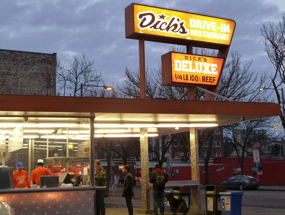 Dick's Burgers Is a Walk-Up, Not a Drive-Thru