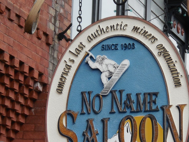 Buffalo Burgers and Beer at the No Name Saloon
