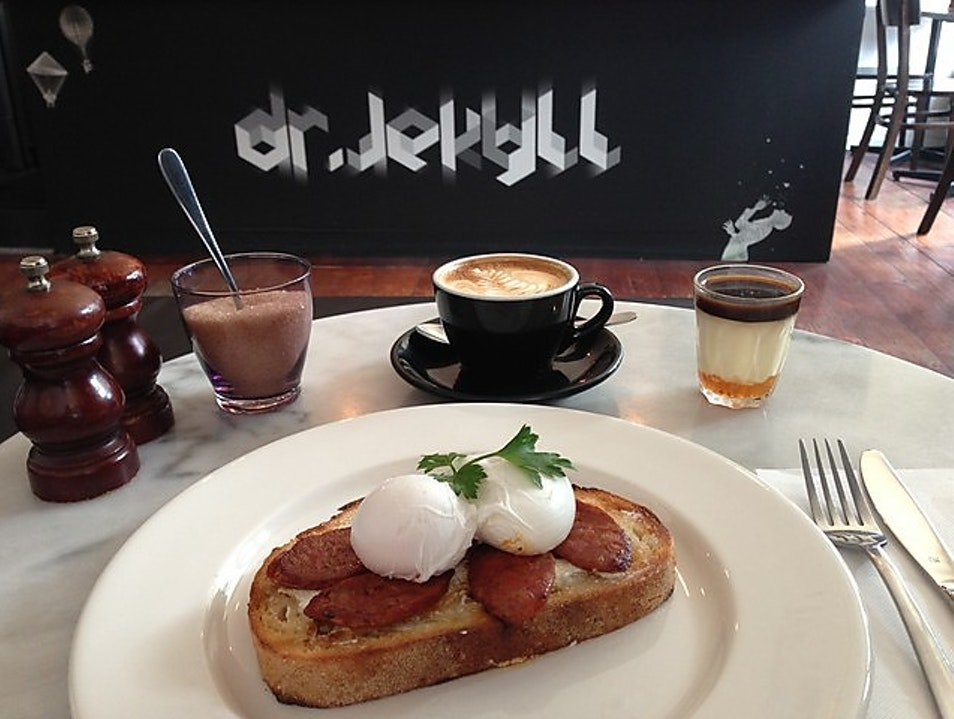 St Kilda's Cool Cafes: Breakfast at Dr. Jekyll