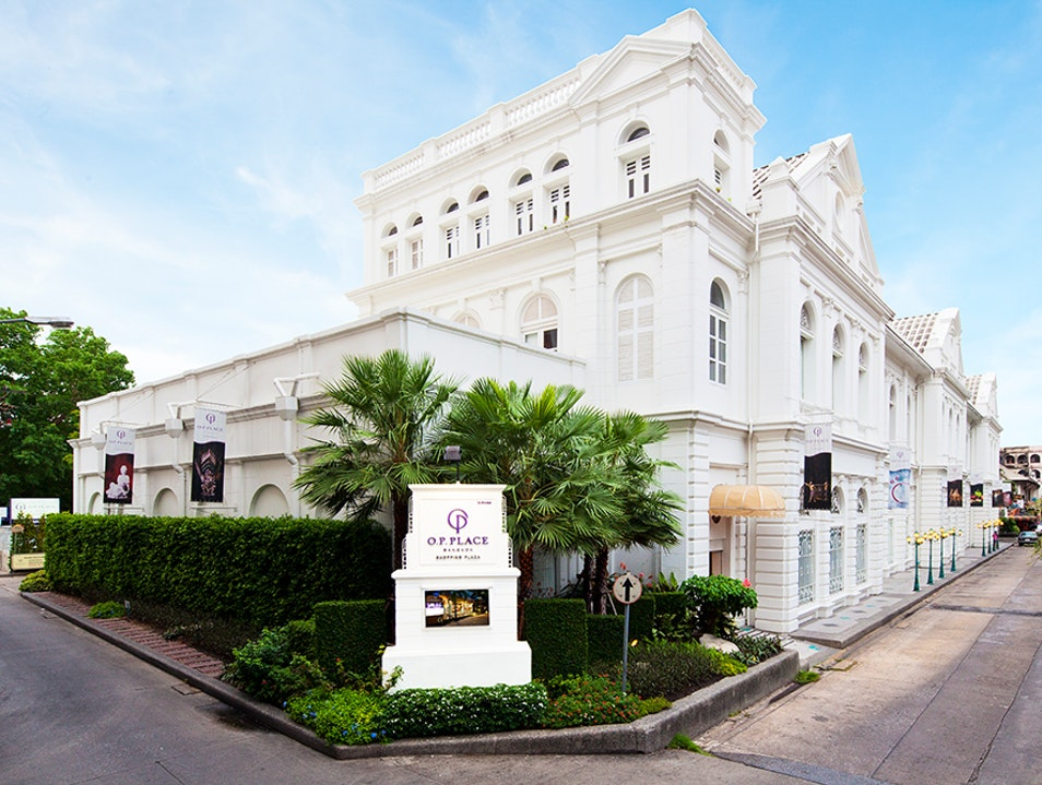 Classic Venue With Exquisite Wares Bangkok  Thailand