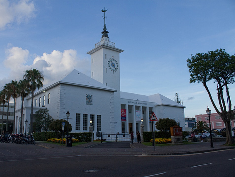 Hamilton's Art Scene: Bermuda National Gallery and Windjammer Gallery Pembroke  Bermuda